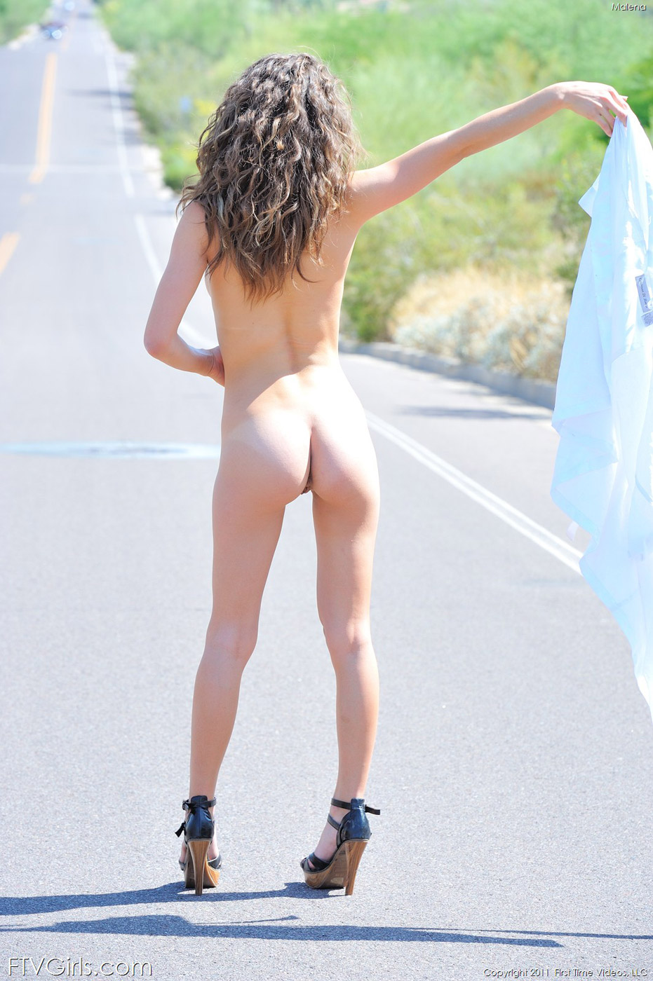 naked girls on road videos